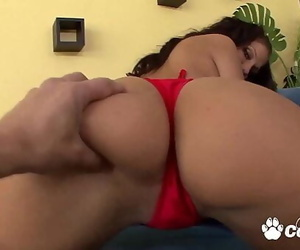 Madison Rose Throttles A..
