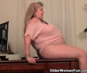 BBW milf Love Queen gives..